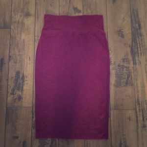 Fitted High- waisted oxblood cotton skirt
